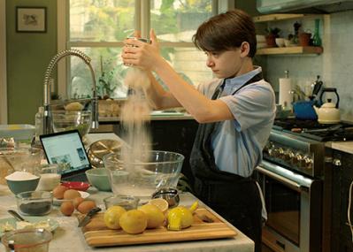 「ストレンジャー・シングス」のノア・シュナップ主演。少年が料理に見出した希望。