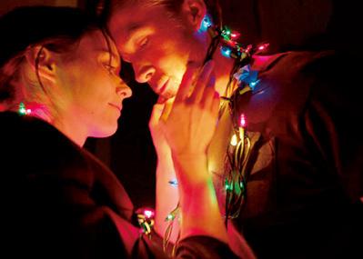 詩的な言葉と映像が織り成す、 破滅的なラブストーリー『ソング・トゥ・ソング』
