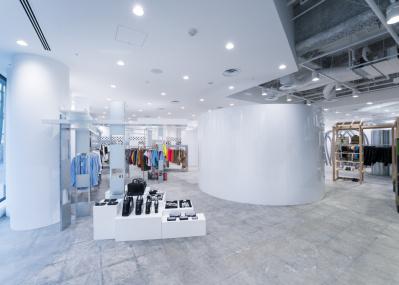 新たなランドマークとなるか?  移転リニューアルを遂げたコム デ ギャルソン 大阪店に注目。