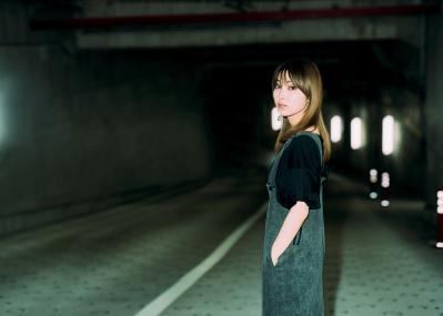 私も誰にも邪魔されずに、自分の弱さを叫びたい──人気女性シンガーソングライター家入レオが語る、人間・尾崎豊とは
