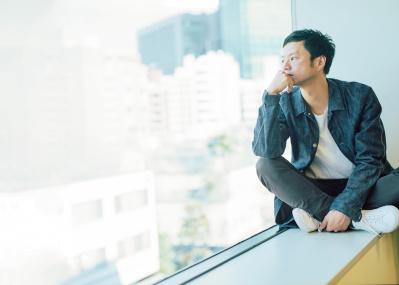 悩んでいることが格好いい、そう思わせてくれた人です──実力派シンガーソングライター奇妙礼太郎が語る、尾崎豊の才能