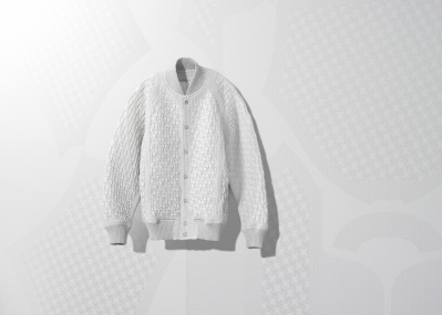 イッセイ ミヤケで20年以上続く革新的な服づくり「A-POC」から、新ブランドが登場。