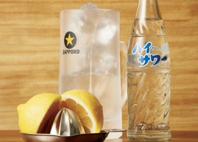 祐天寺「もつやき ばん」店主の閃きが伝説に、  レモンサワー誕生物語