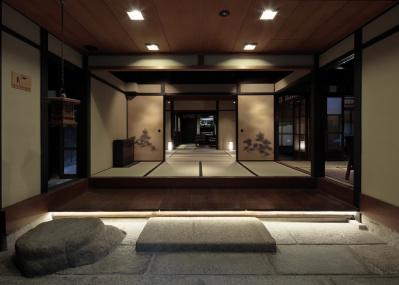 京町家×「こだわり風呂」で快適な滞在を約束する、カンデオホテルズ京都烏丸六角とは