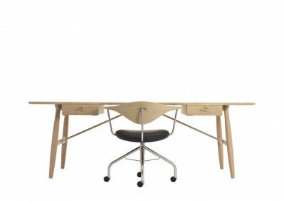 ハンス・J・ウェグナーの名作椅子が、チーク材の特別仕様で数量限定販売