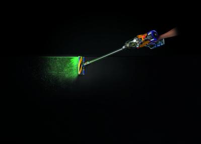 """レーザーでゴミを""""可視化""""! ダイソンの最新スティッククリーナーが本日から発売スタート"""