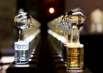 香りで五感を呼び起こす、情熱の男が創造した「フエギア 1833」の空間がギンザシックスに