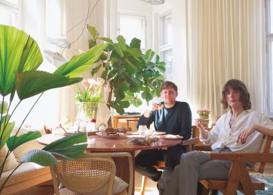 クリエイターカップルの「ドイツ式」コーヒータイムとグリーンのある暮らし