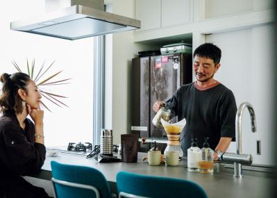 ビーアット代表取締役・⼟井地 博が語る、コーヒーと緑がある暮らし