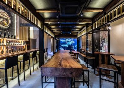 京都発のクラフトジン「季の美 」のブランドハウスで、新世代のクラフツマンシップを体感する。