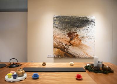 現代美術家 婁正綱と彫刻家 名和晃平の作品をリビングに展示する、『LIVING with ART』展の試みとは?