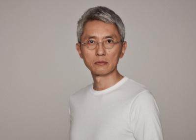 俳優・松重 豊が個人オーダーした老舗工場の無地Tシャツが発売!