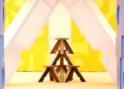 ミュウミュウの数量限定スツールは、パリの人気デザインユニットとのコラボアイテム