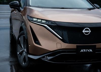 ブランドロゴを一新し未来に進む日産から、100%電気で走るEV「アリア」が登場。