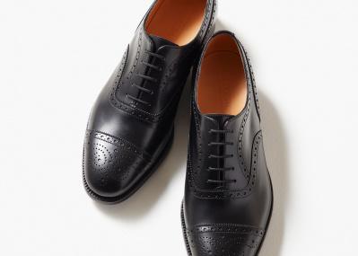 フランソワ・オランドが愛用した、歴代フランス大統領御用達の革靴。