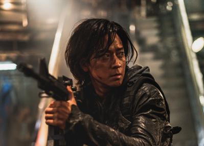 大ヒット韓国映画の続編『新感染半島』主演カン・ドンウォンにインタビュー、「女性や子どもの活躍がいいんです」
