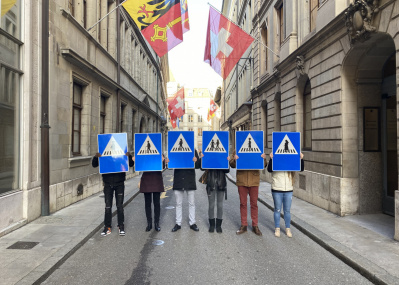 妊婦や同性カップルの「交通標識」が登場。デザインからジェンダーギャップを埋められるか?