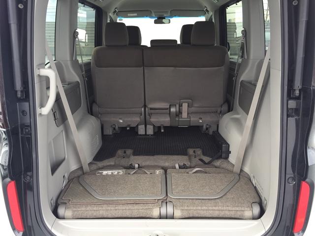▲HONDAステップワゴンのラゲージスペースは、床下収納シートアレンジで大容量スペースへ早変わり!