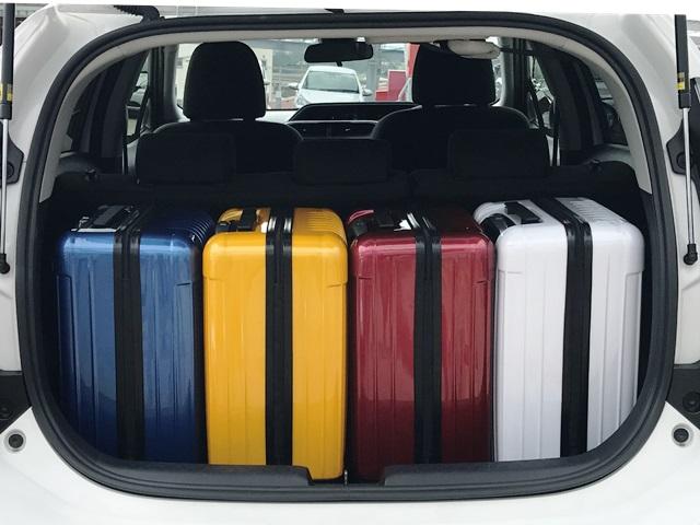 ▲アクアのラゲッジスペースは、キャリーバッグ(機内持ち込みサイズ)×4個が目安サイズ