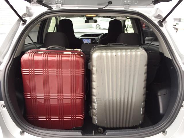 ▲荷室空間は、キャリーバッグ(Mサイズ)×2個が目安サイズ!