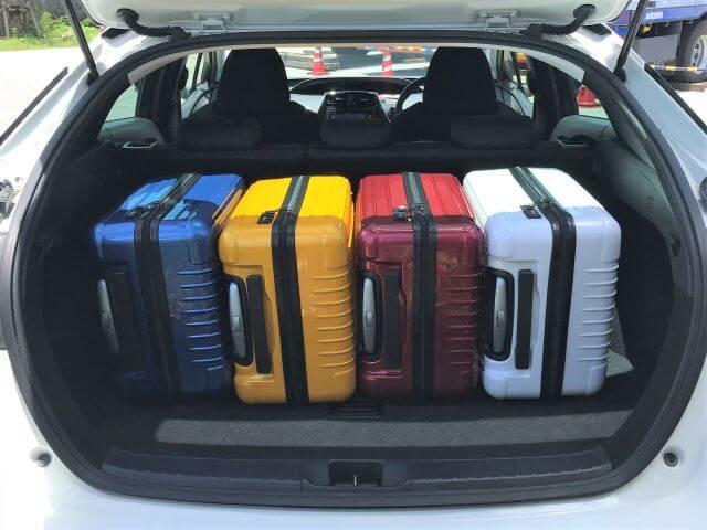 ▲荷室空間はキャリーバッグ(機内持ち込みサイズ)×4個が目安スペース!