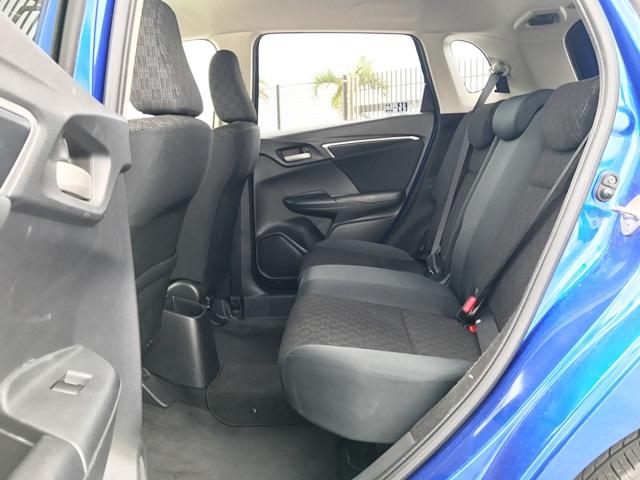 ▲後部座席の足元スペースも広々で快適(HONDAフィット)