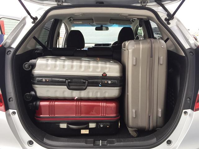 ▲荷室空間はキャリーバッグ(Mサイズ)×2〜3個が目安サイズ!