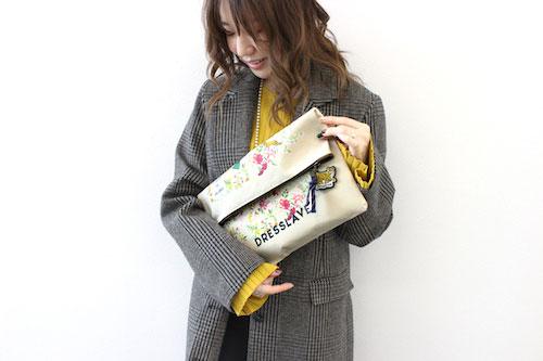 ノベルティプレゼントのクラッチバッグ