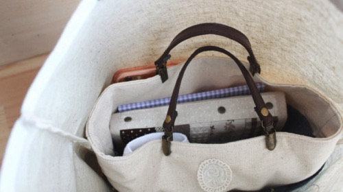 ポケットのないトートバッグも便利に│バッグ イン バッグの完成!