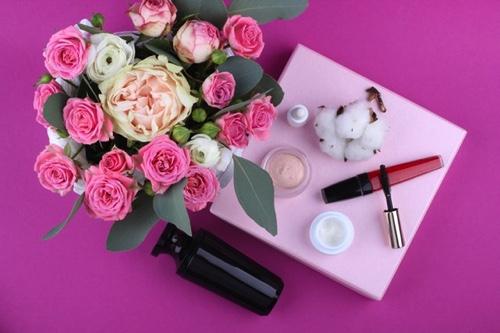 ファッションアイテム・化粧品│母の日に人気の贈り物5選!