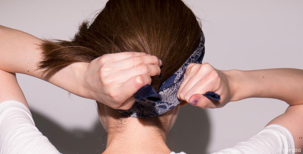 スカーフのヘアバンドづかい STEP06