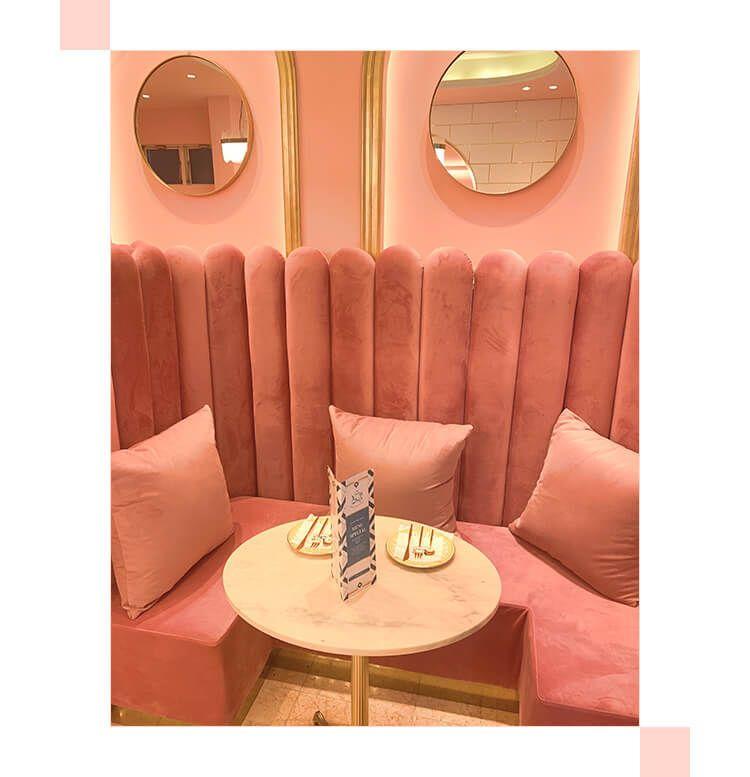Salon de Louis Pink seat