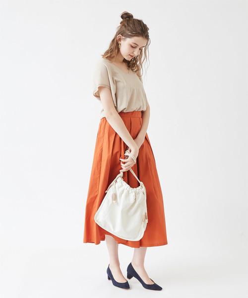 オレンジのスカート