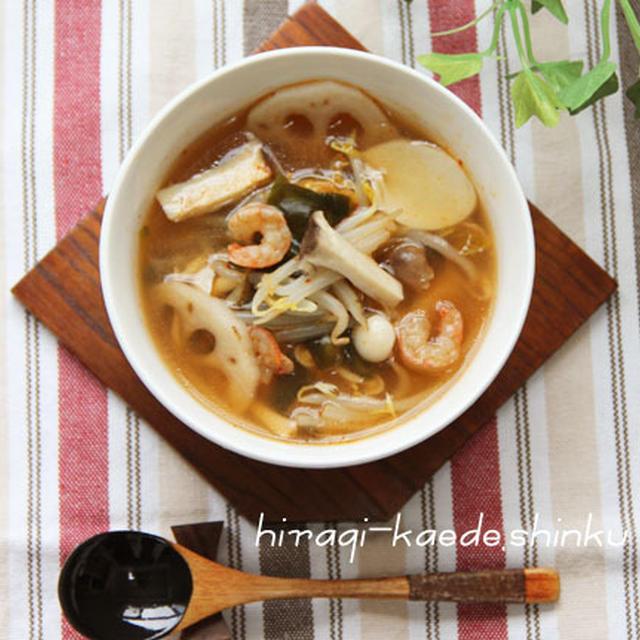 たっぷりきのこと根菜もやしキムチスープ