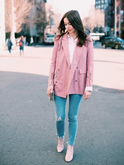 ピンクジャケットの春コーデ