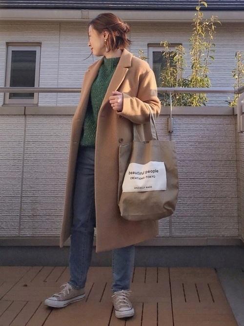 モスグリーンと合う色【ベージュ】