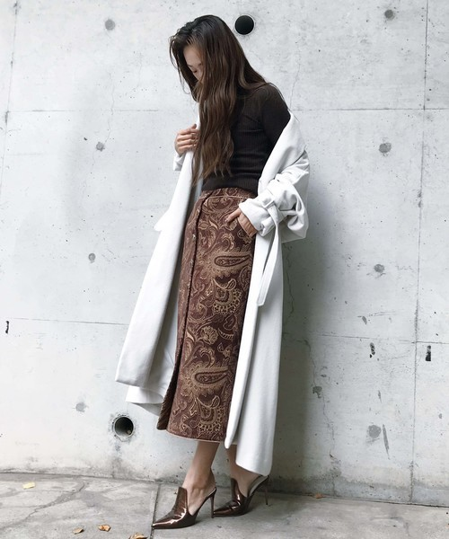 ペイズリースカートとコート