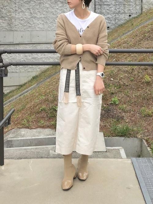 カーディガンを使った山口の服装