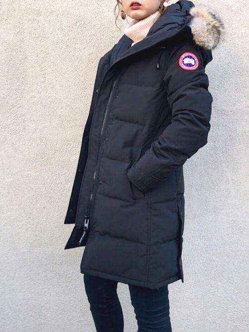 ダウンジャケットを使ったハンガリーの服装