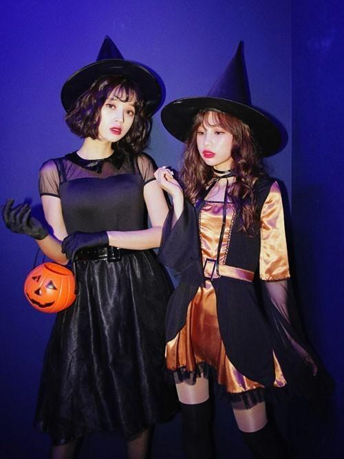 ハロウィンの魔女コスプレ