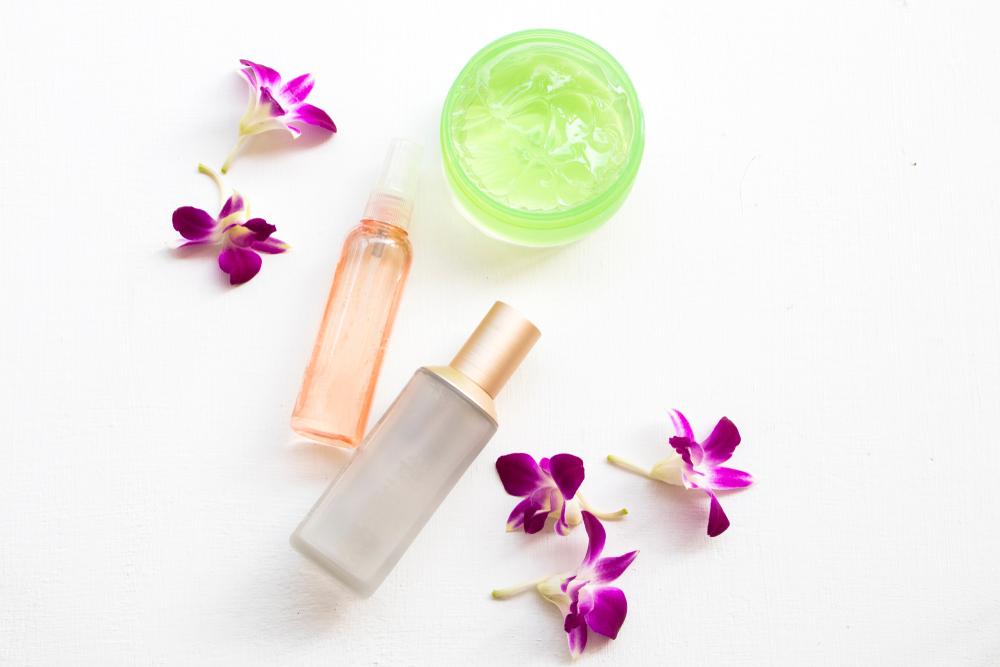 化粧水とジェルクリーム