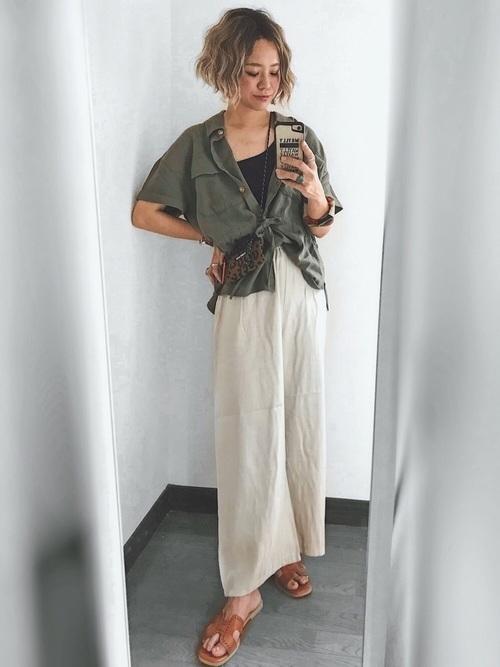 半袖ミリタリーシャツ×ワイドパンツ