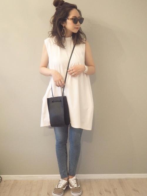コクーンワンピースを使った横浜の服装