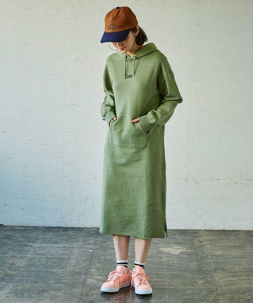 グリーンのパーカーワンピース