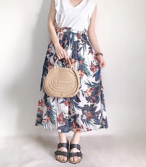 ホワイトスカート
