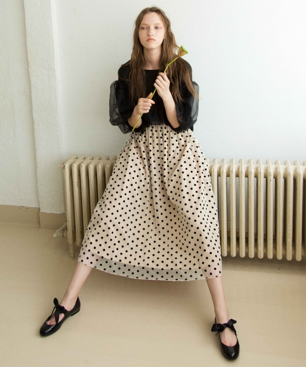 CAROLINA GLASER(カロリナ グレイサー)ドットチュール ロングスカート