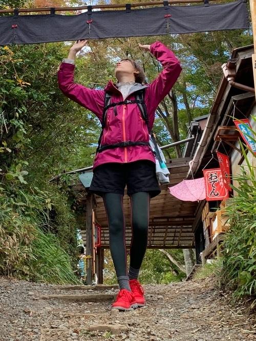 秋の富士山に適したショートパンツコーデ