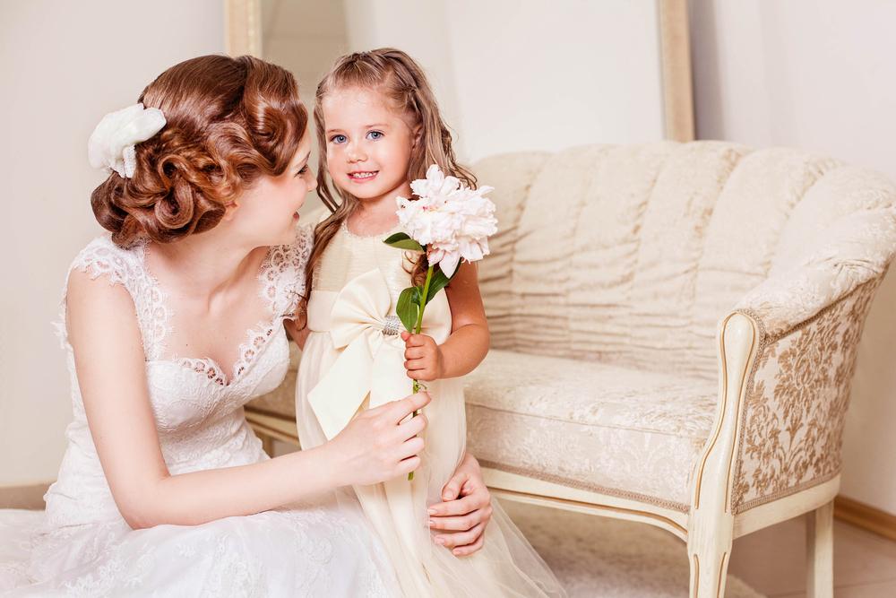 フラワーガールと花嫁