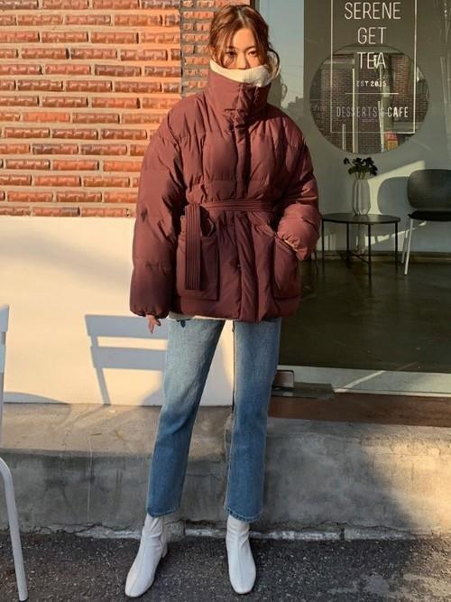 ダウンコートを使った砂漠の服装