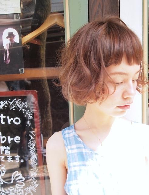 ぱっつん前髪×ふんわりボブ